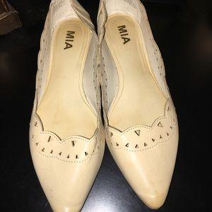 *Mia* Alina cream pointed toe flats
